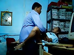 Tubo libero Upskirt - video sesso in hindi