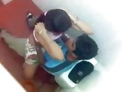 Pissing video porno gratis - coppie indiane che scopano